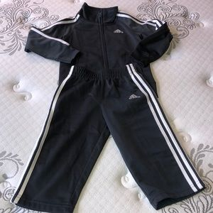✨Toddler Adidas Track Suit ✨